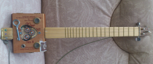 Cigar Box Ukulele: final look